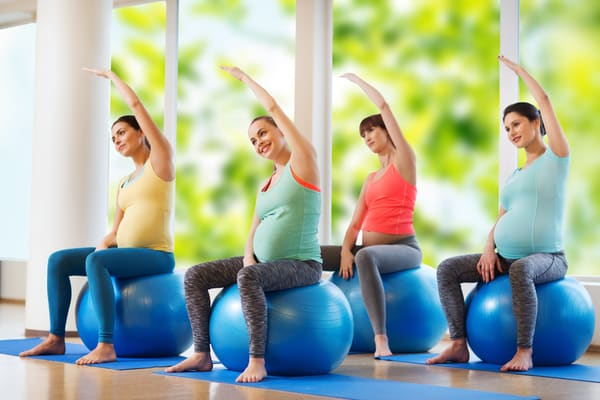 upper back pain early pregnancy
